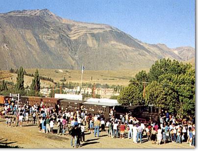 Llegada a Esquel del Primer Tren Provincial del Chubut.